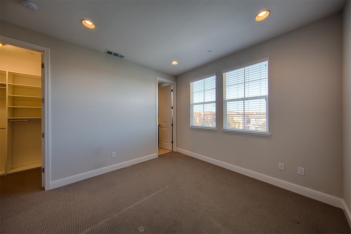 Bedroom 2 (B) - 650 Bair Island Rd 1305