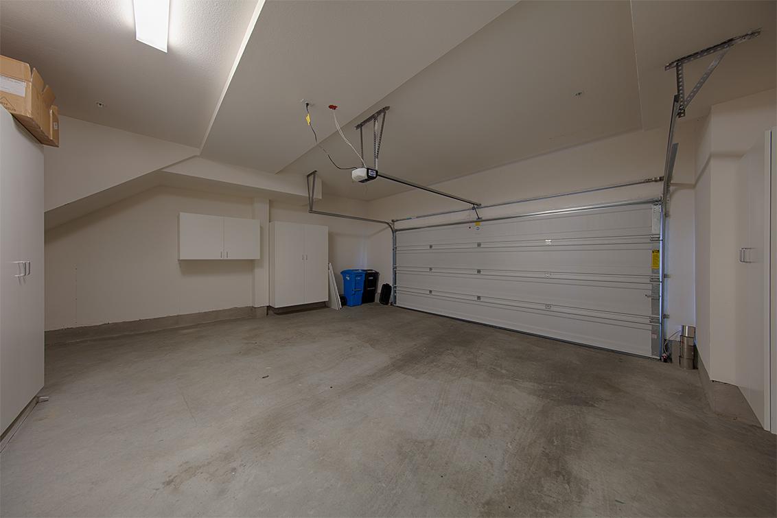 Garage (A) - 650 Bair Island Rd 1305