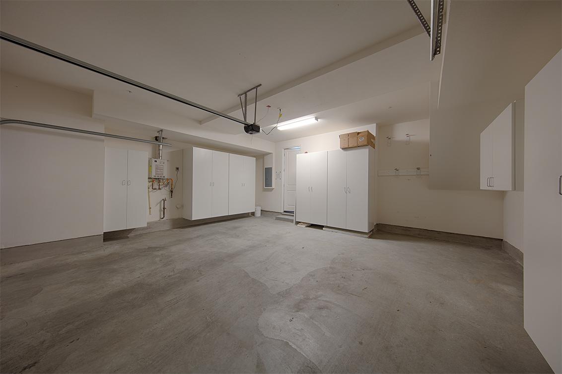 Garage (B) - 650 Bair Island Rd 1305