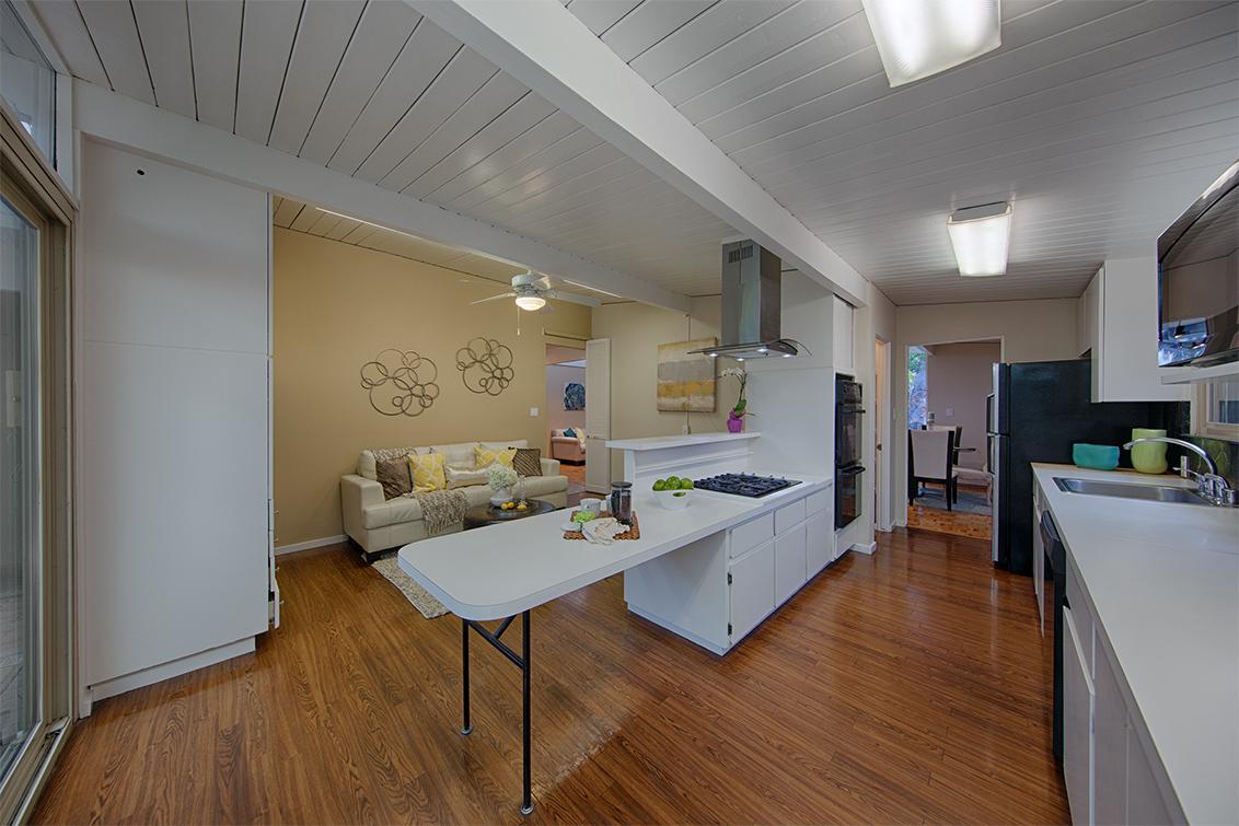 Kitchen (D)
