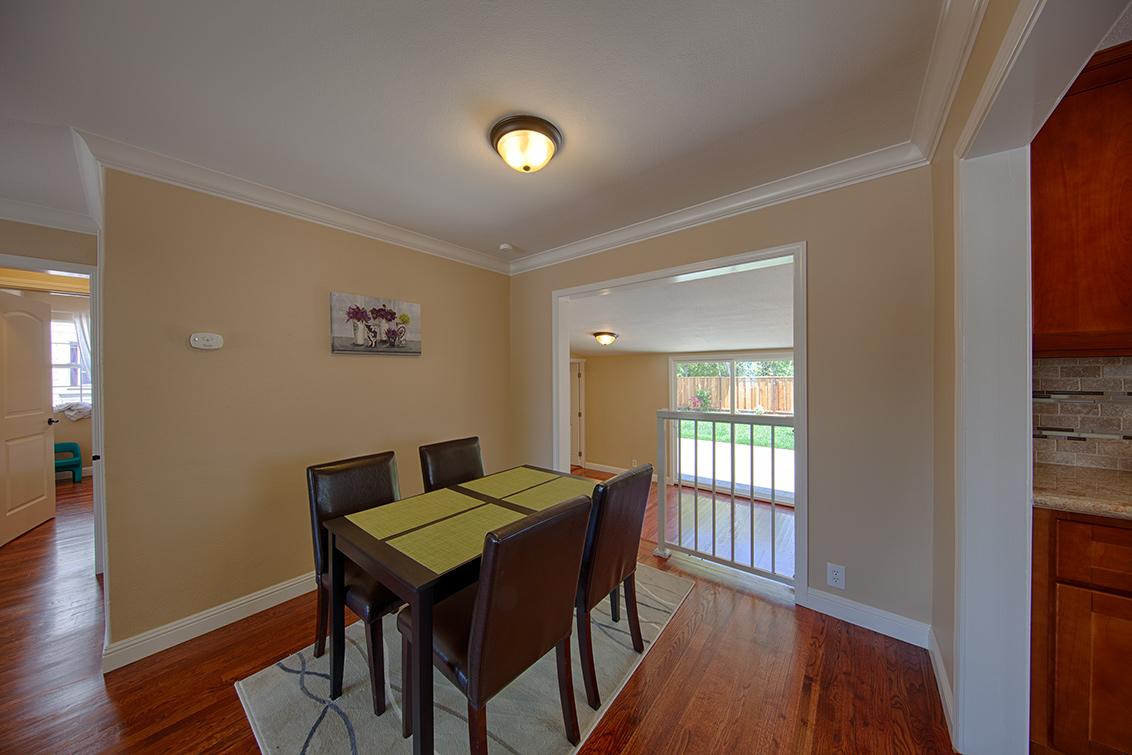 Dining Room (B) - 362 Bartlett Ave