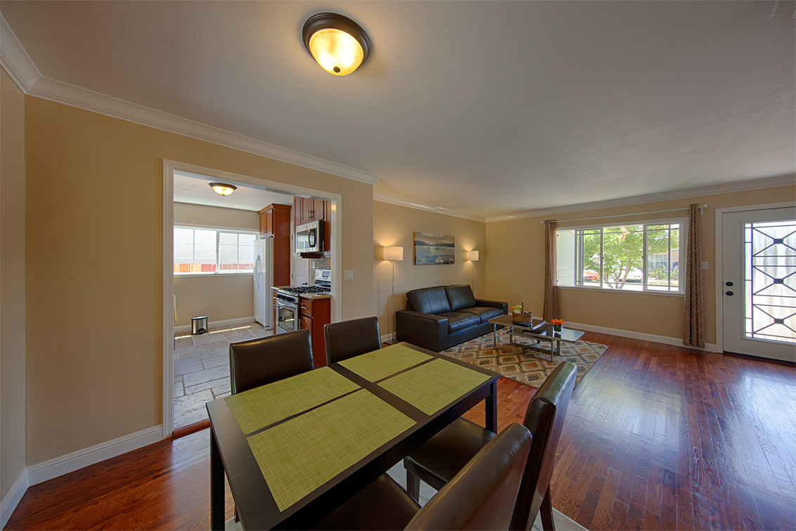 Living Room - 362 Bartlett Ave