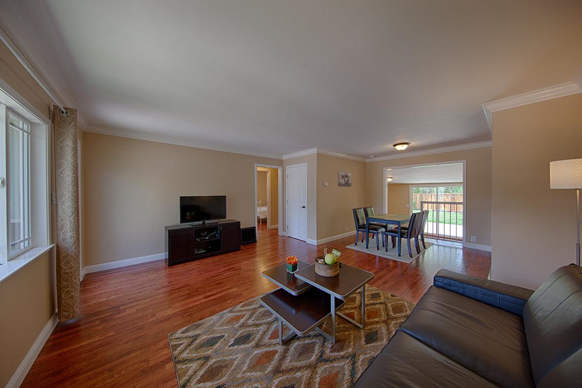 Living Room (B) - 362 Bartlett Ave