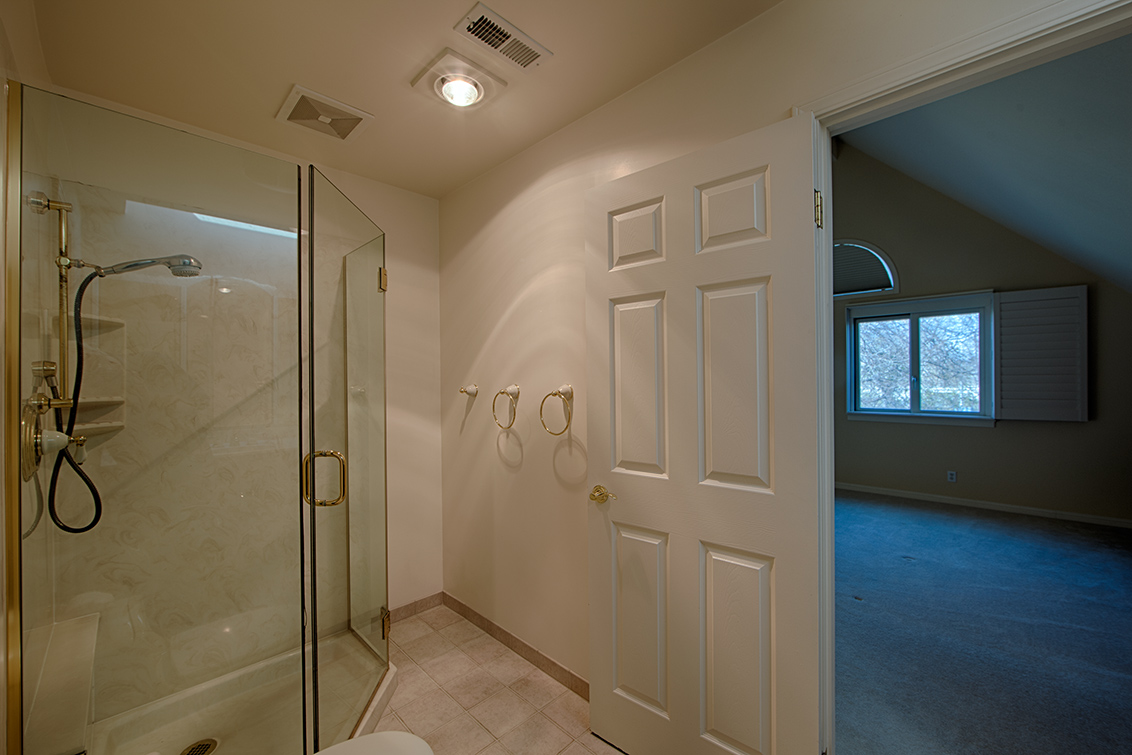 Master Bath (C) - 629 Bridgeport Ln
