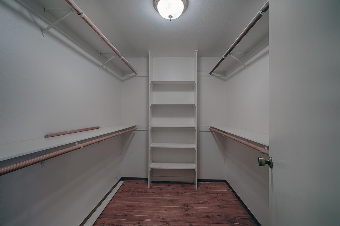 Master Walk In Closet