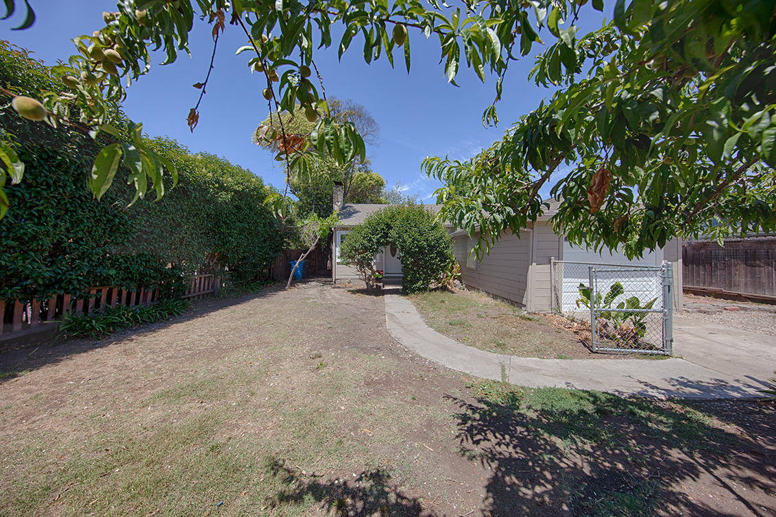 Picture of 2141 Euclid Ave, East Palo Alto 94303 - Home For Sale