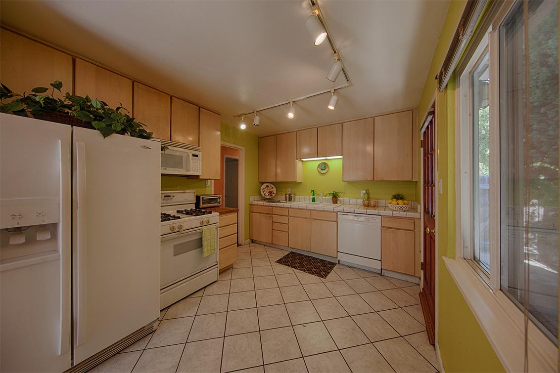 Living Room - 3204 Greer Rd