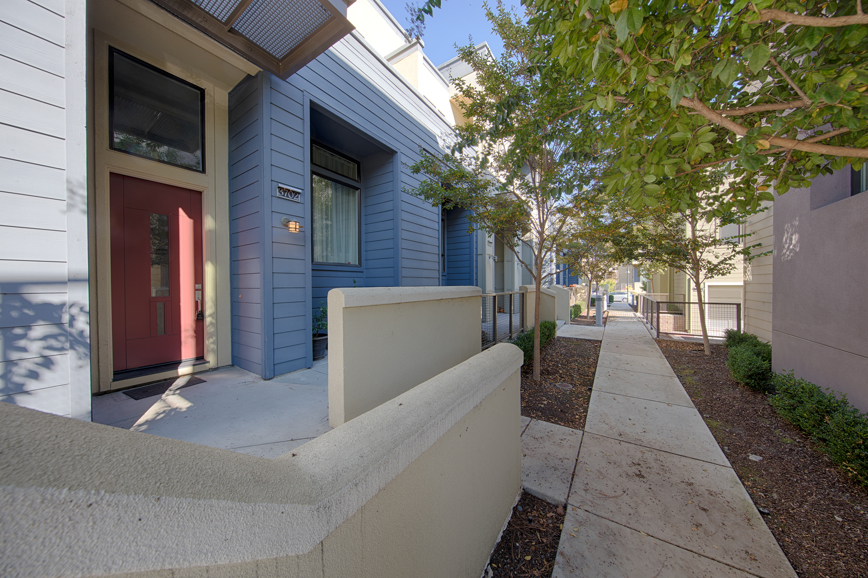 3702 Heron Way, Palo Alto 94303 - Entrance (A)