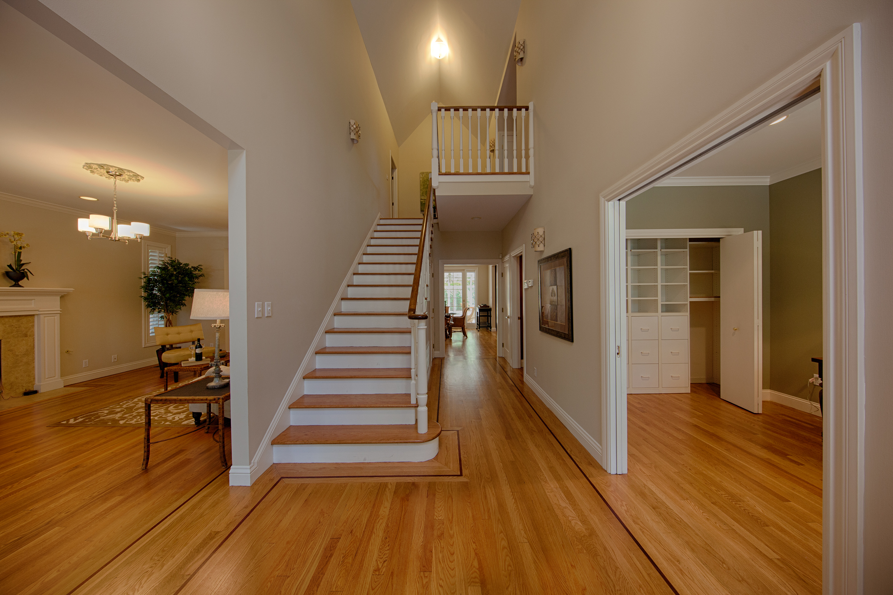29 Hudson St, Redwood City 94062 - Stairway (A)