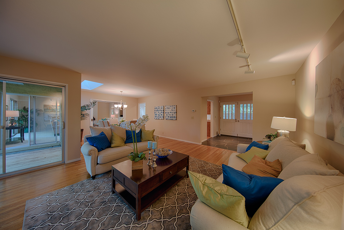 Living Room (C) - 1524 Kathy Ln