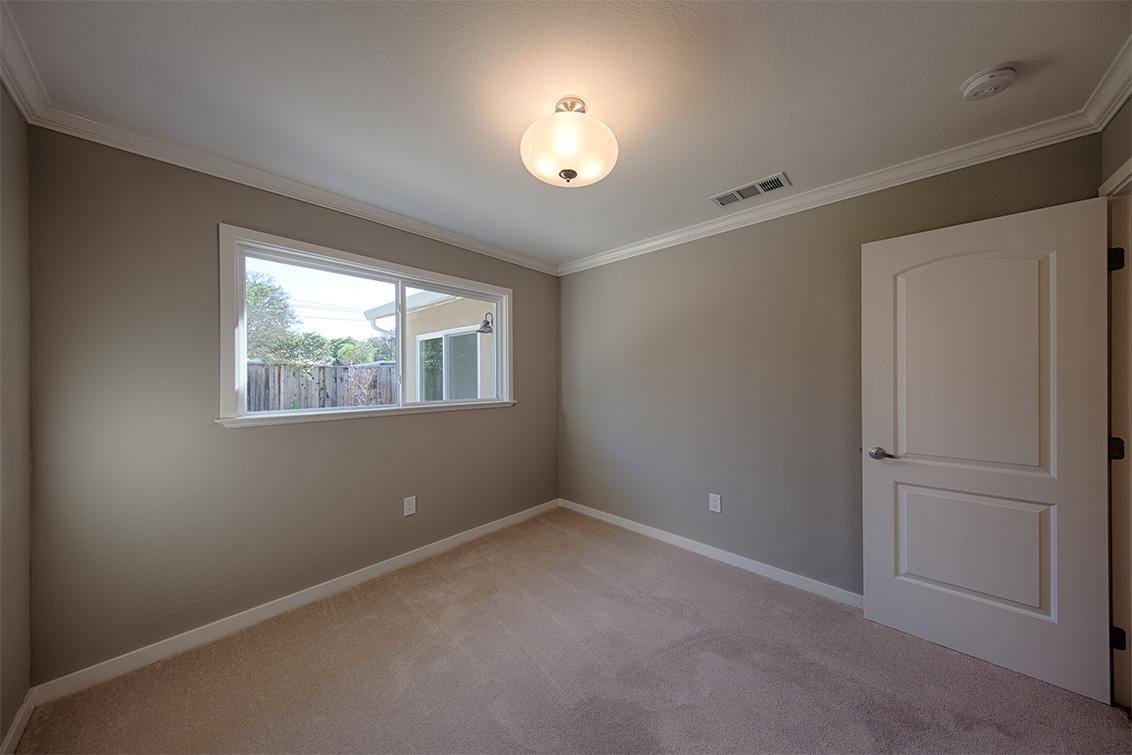 Bedroom 2 (B) - 7778 Lilac Way