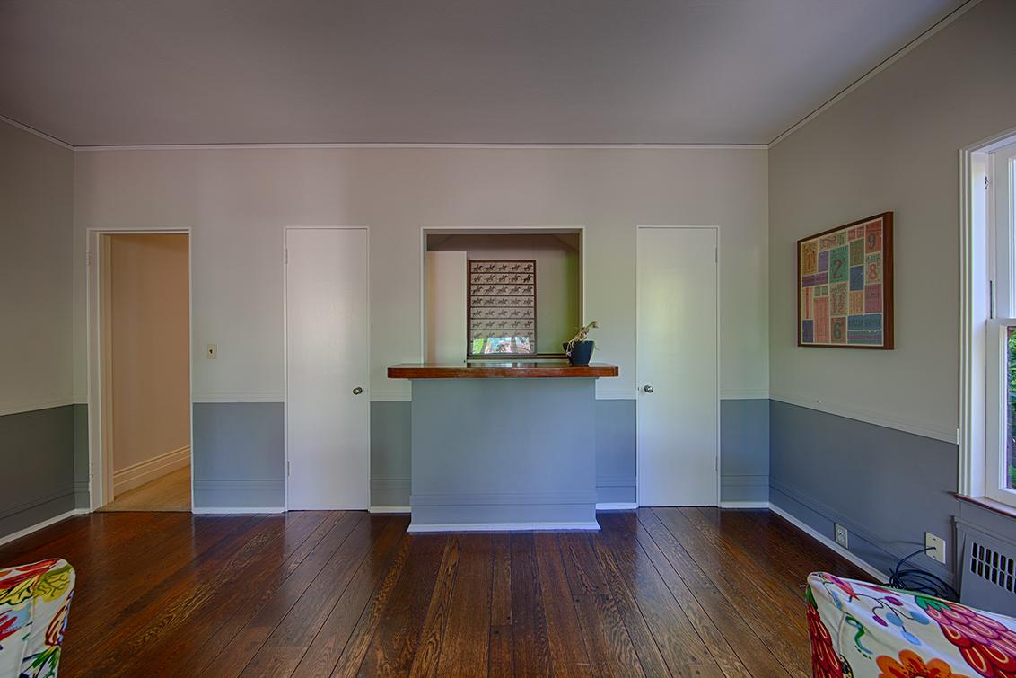 Family Room (E)