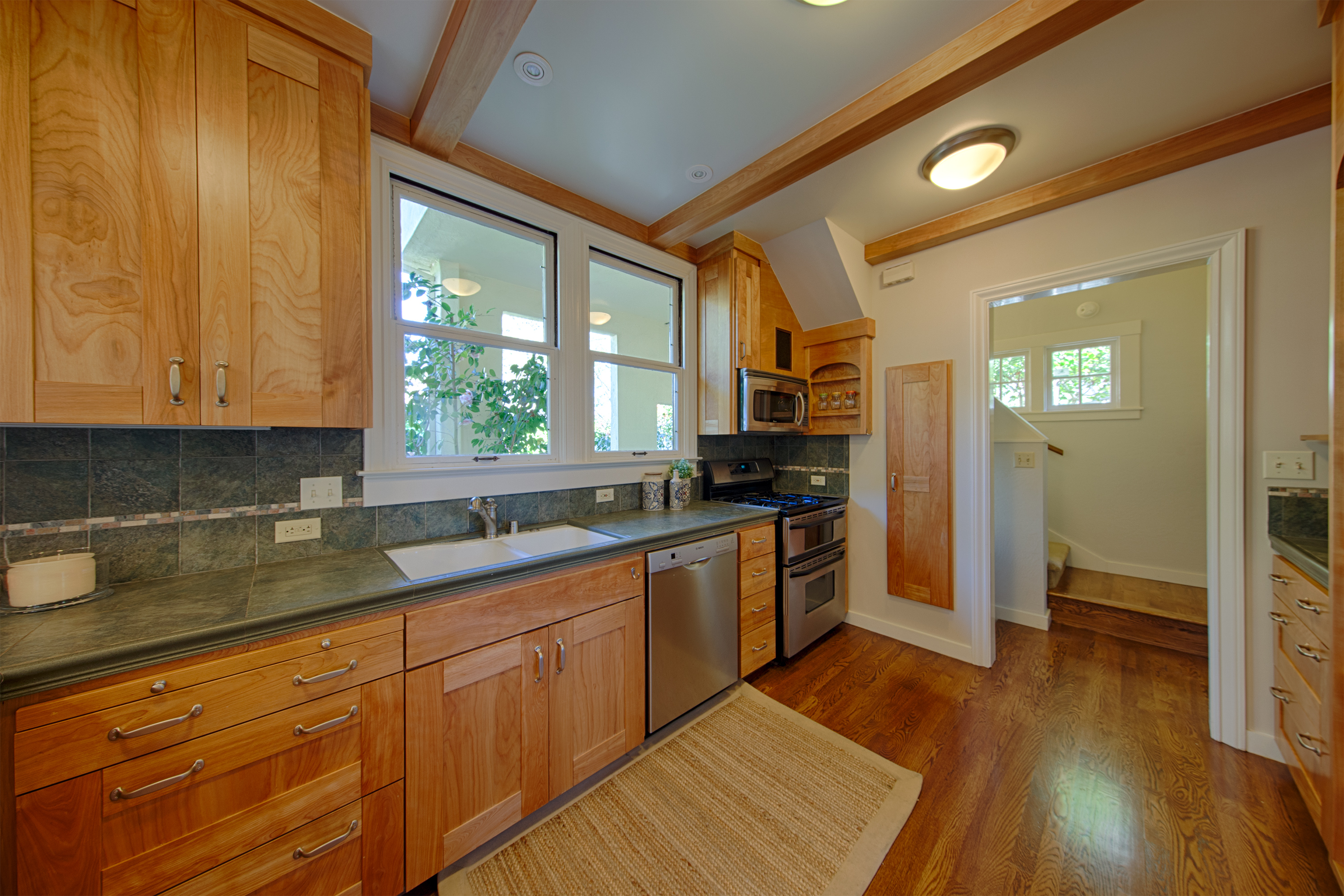 569 Lowell Ave, Palo Alto 94301 - Kitchen (A)