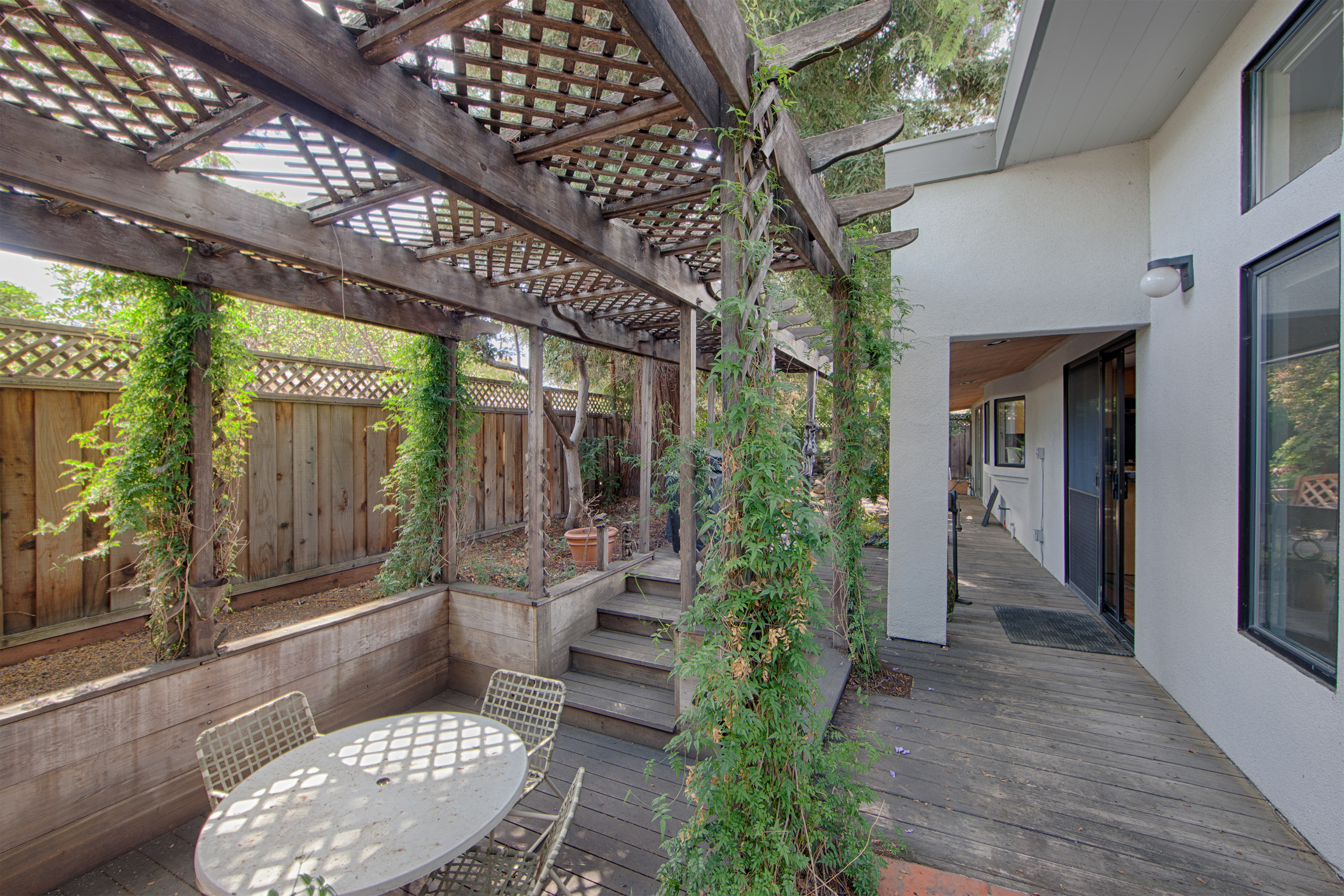1086 Moreno Ave, Palo Alto 94303 - Backyard Dining (A)