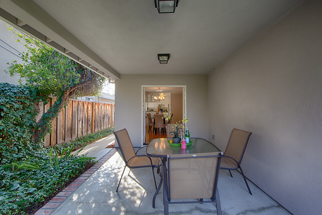 Side Patio (A)