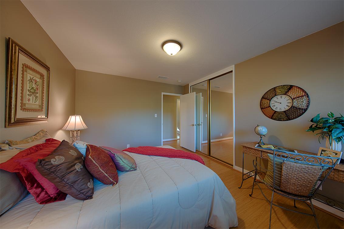 Bedroom 3 (C) - 921 Newell Rd