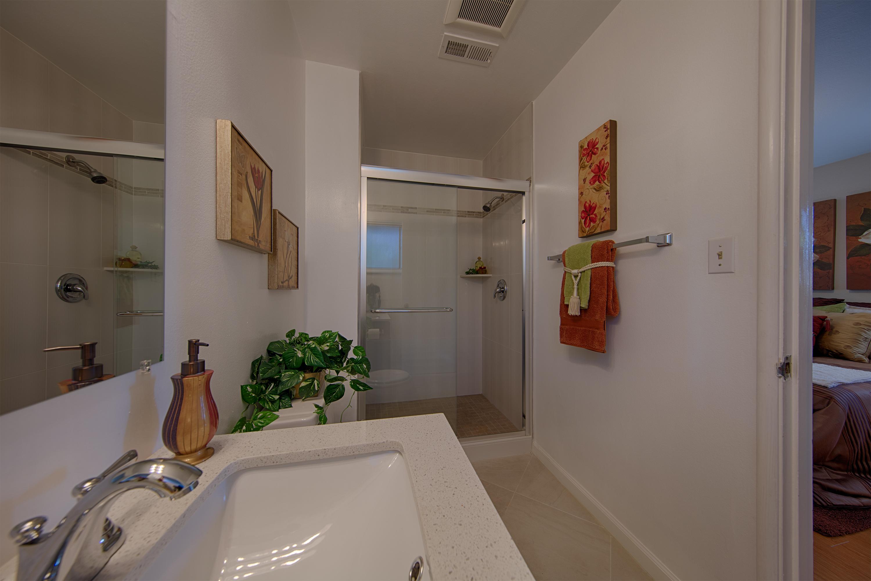 921 Newell Rd, Palo Alto 94303 - Master Bath (B)