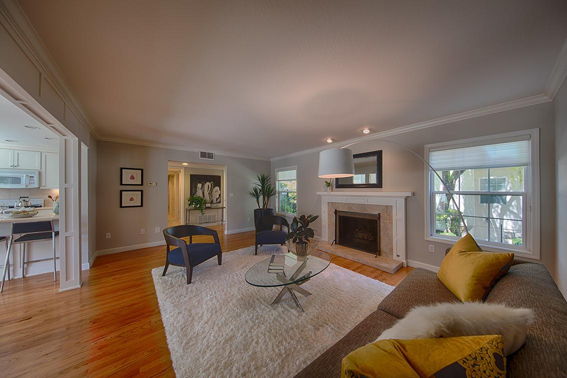 Living Room (B) - 451 Oak Grove Ave 4