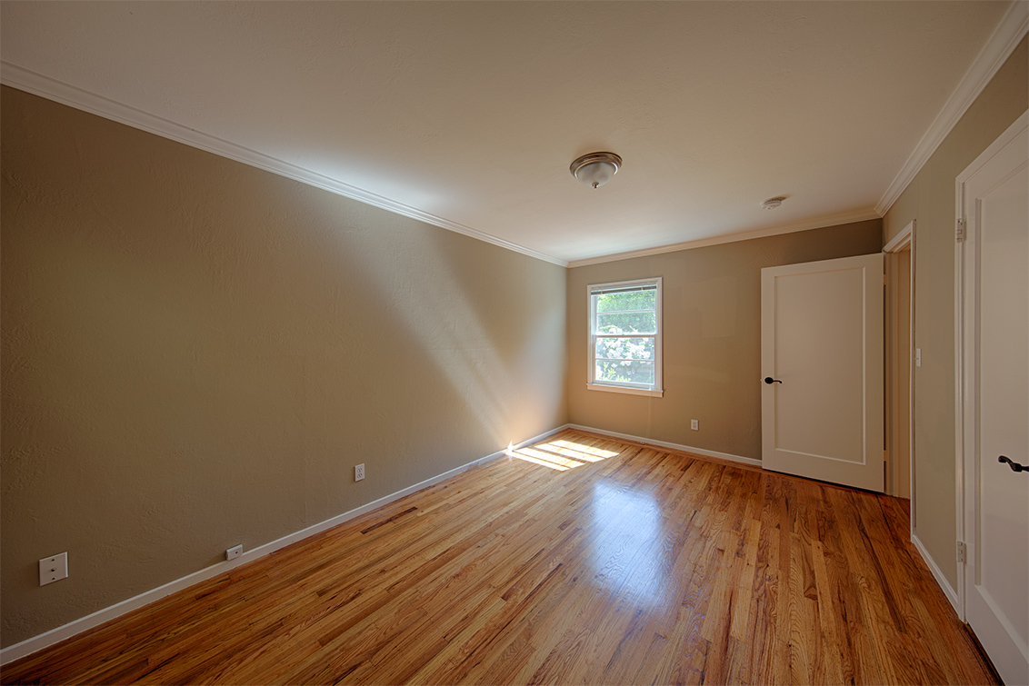 Master Bedroom (B) - 223 Oakhurst Pl