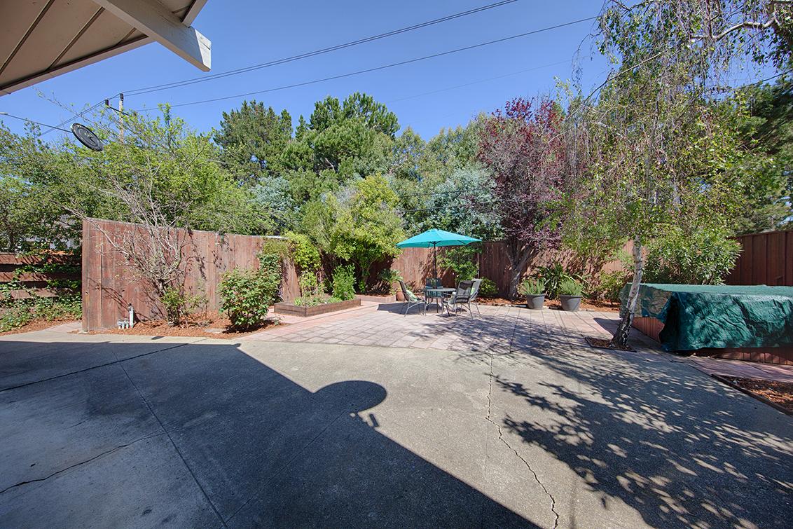 Backyard (A) - 4133 Park Blvd