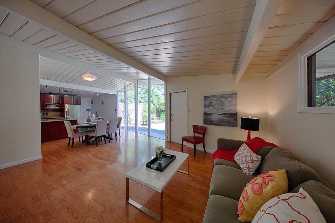 Living Room (B) - 4133 Park Blvd