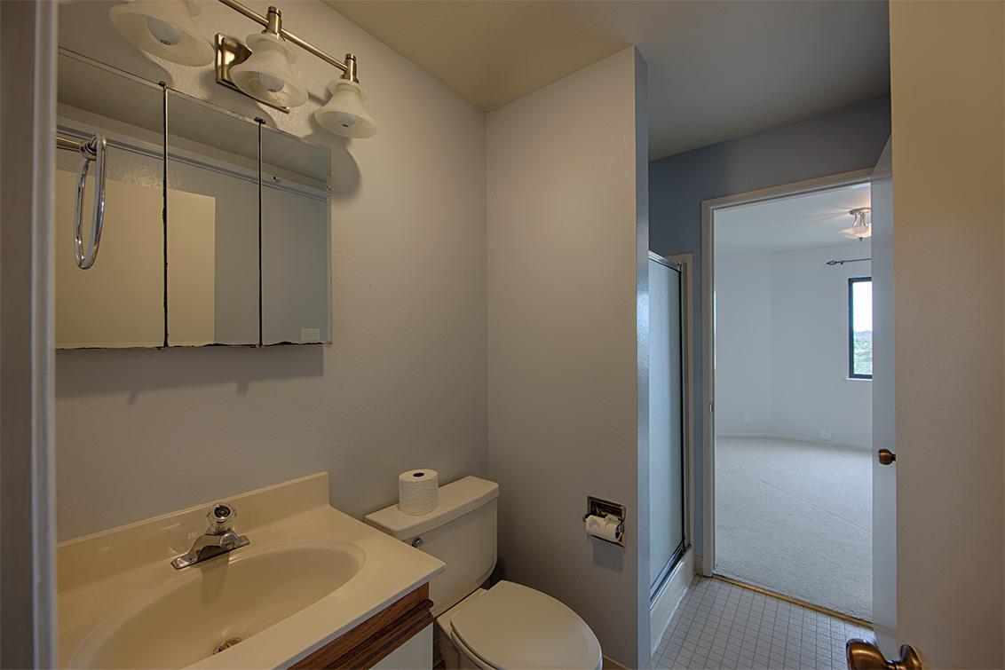 Bathroom 2 (B) - 320 Peninsula Ave 419