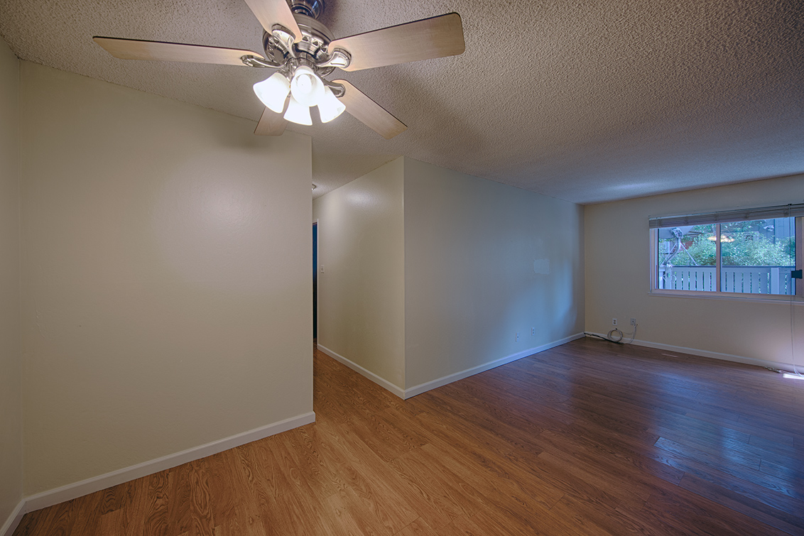 Living Room - 411 Piccadilly Pl 5
