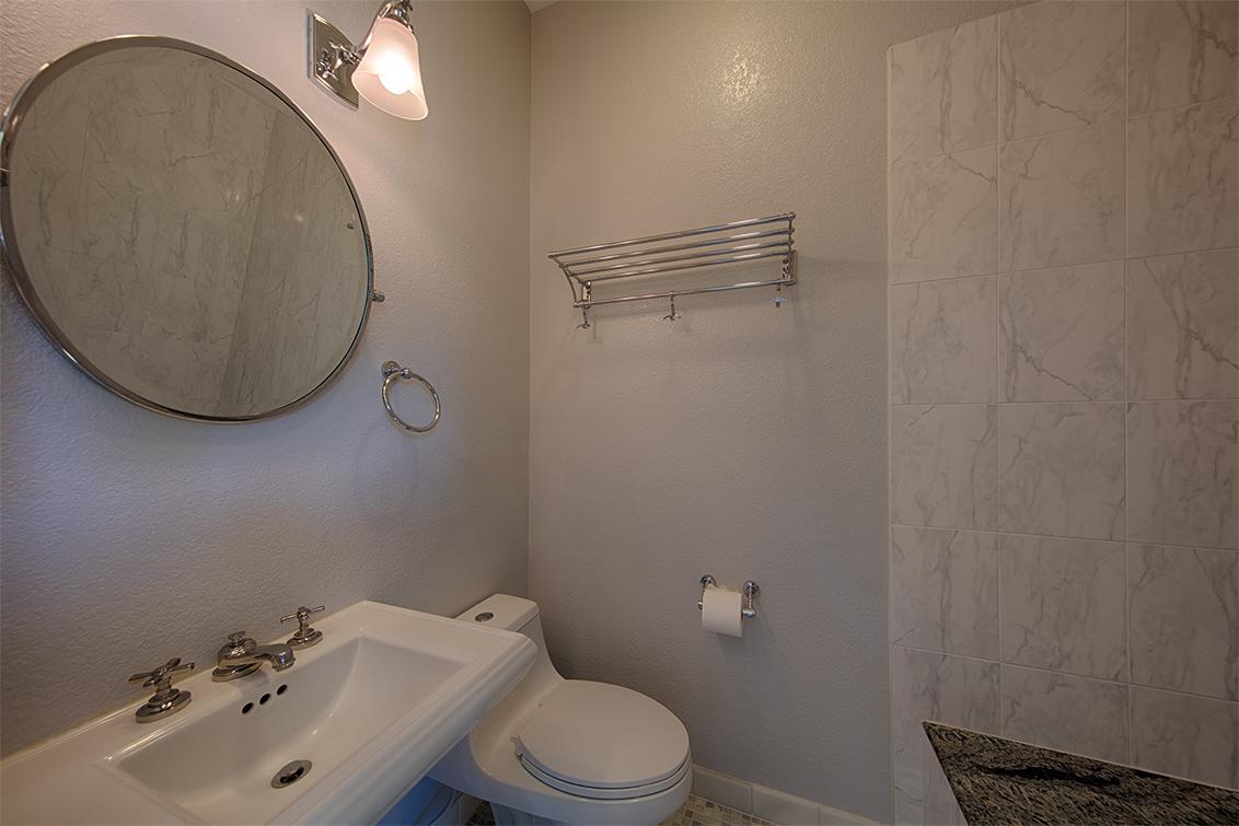 Studio Bath (A)