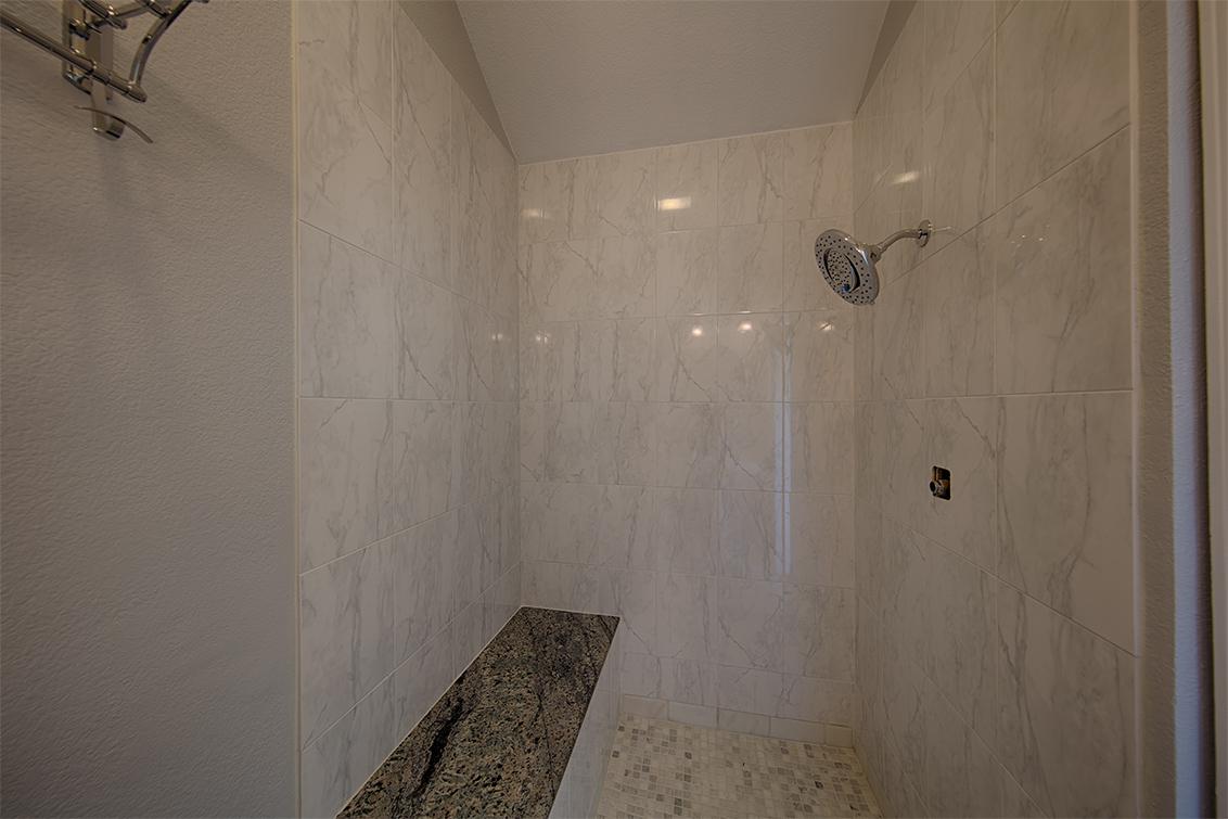 Studio Bath (B) - 42 Port Royal Ave