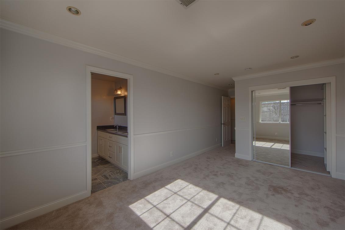 Bedroom 2 (C) - 1658 Purdue Ave