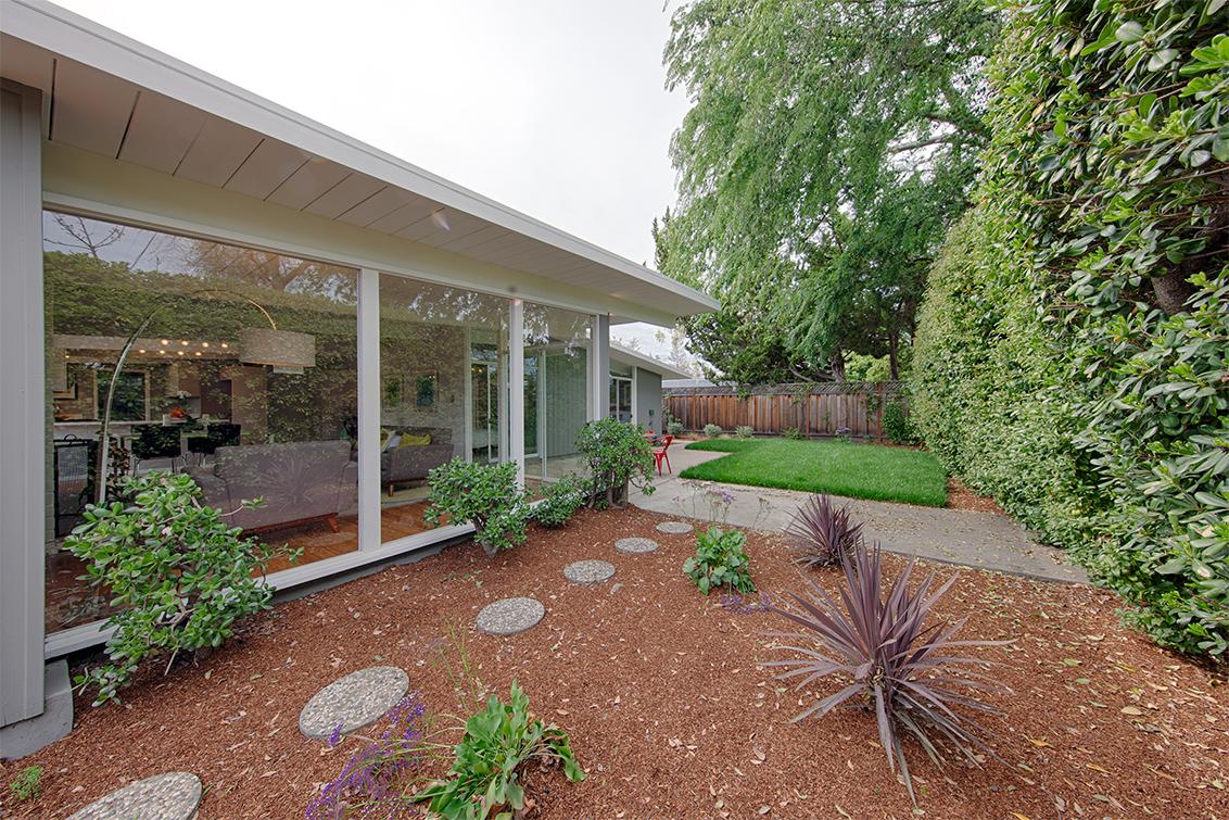 Backyard (B) - 76 Roosevelt Cir