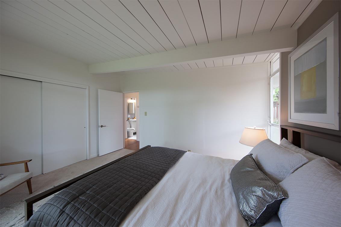 Master Bedroom (C) - 76 Roosevelt Cir