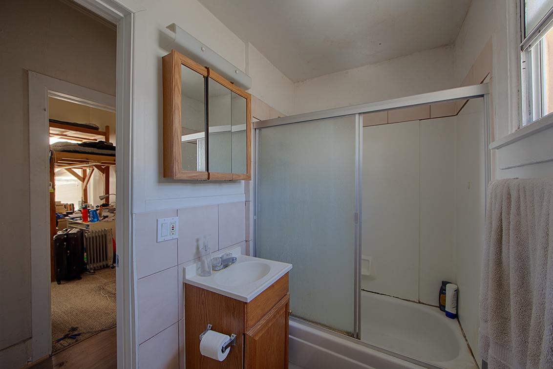 B Bathroom 2 (A)