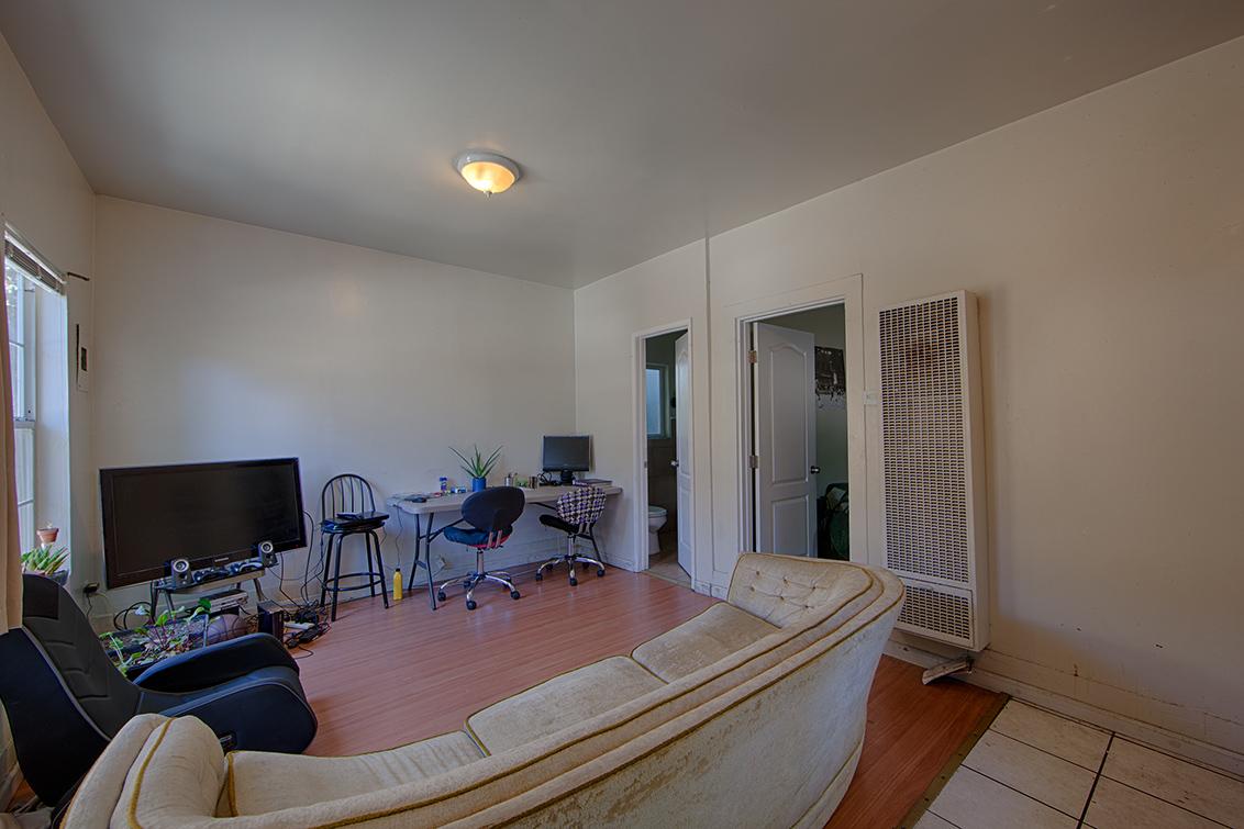 Cottage Living Room (B)
