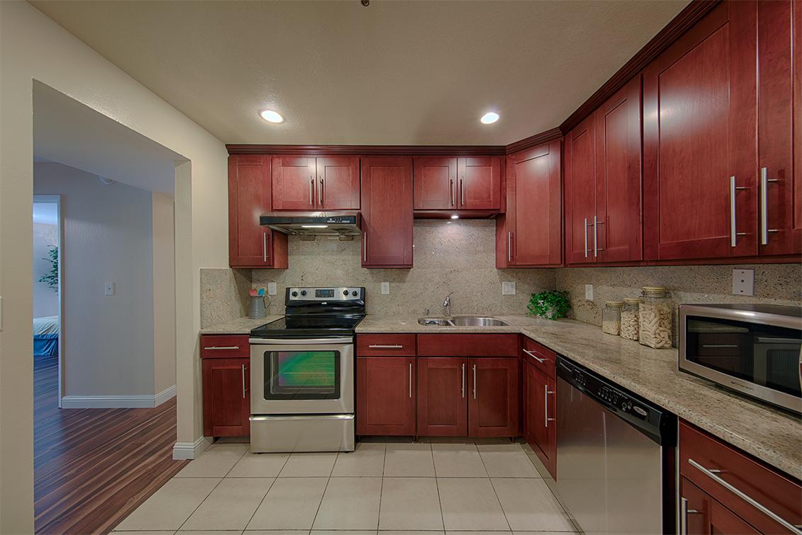 Kitchen (B) - 49 Showers Dr W108