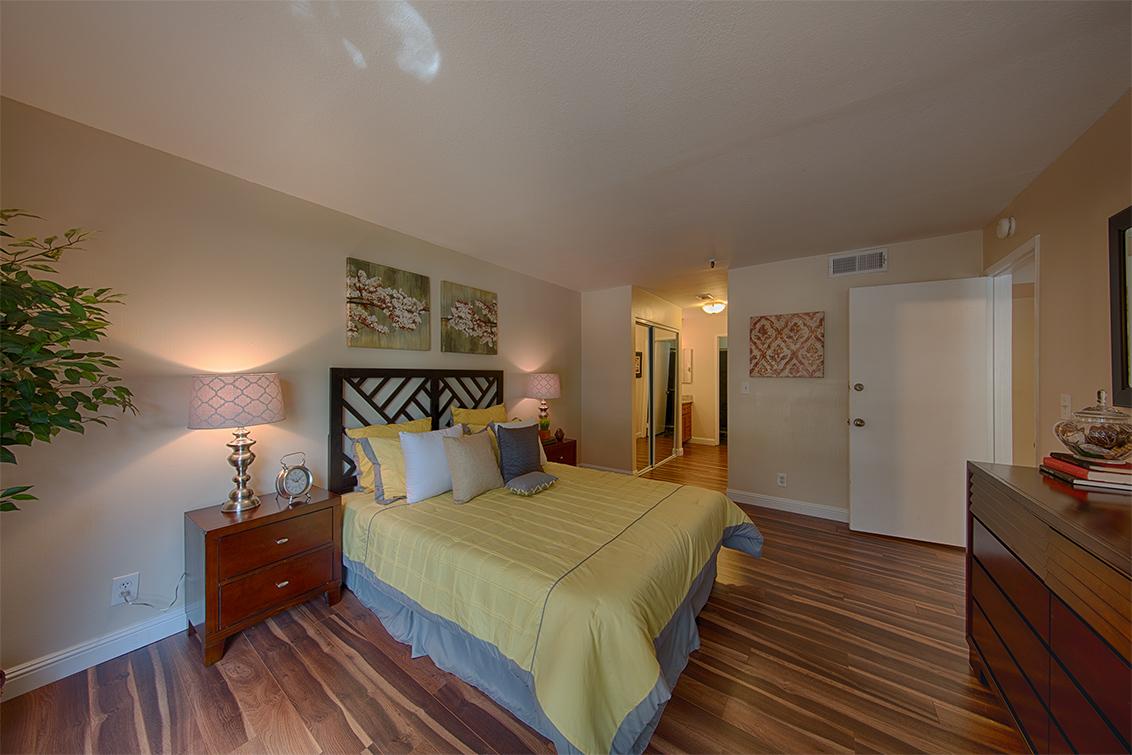 Master Bedroom (D) - 49 Showers Dr W108