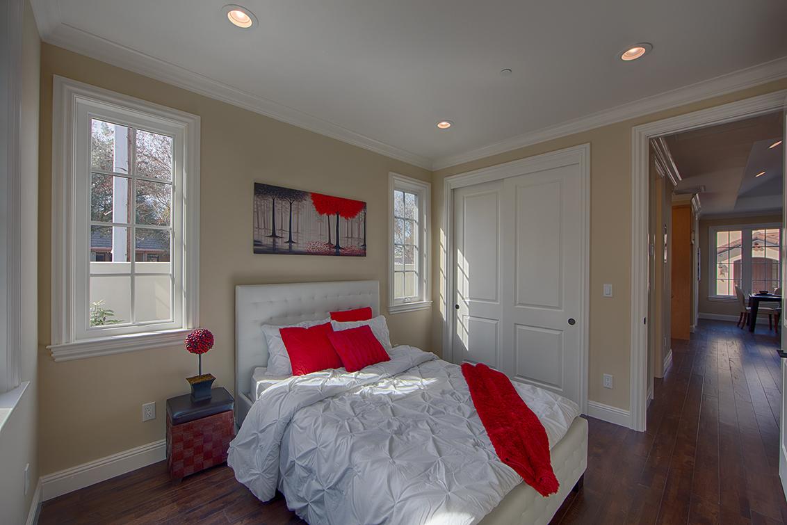 Downstairs Bedroom 1 (D)
