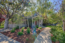 725 Center Dr, Palo Alto 94301