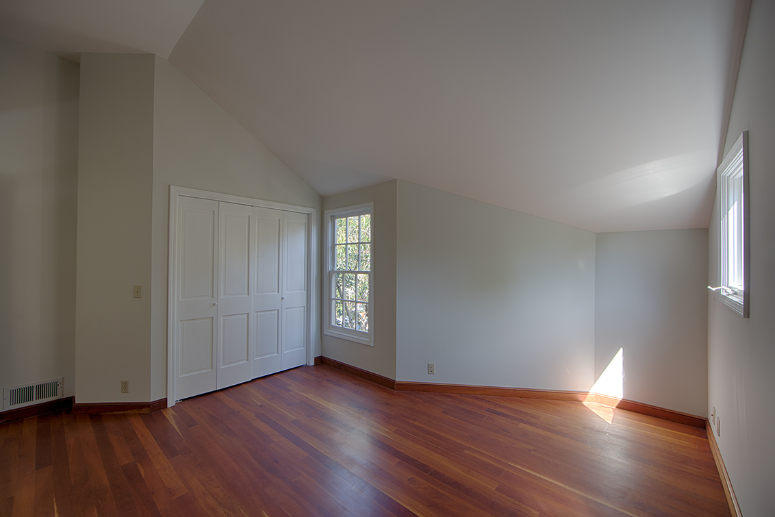 Upstairs Bedroom 3 (B)