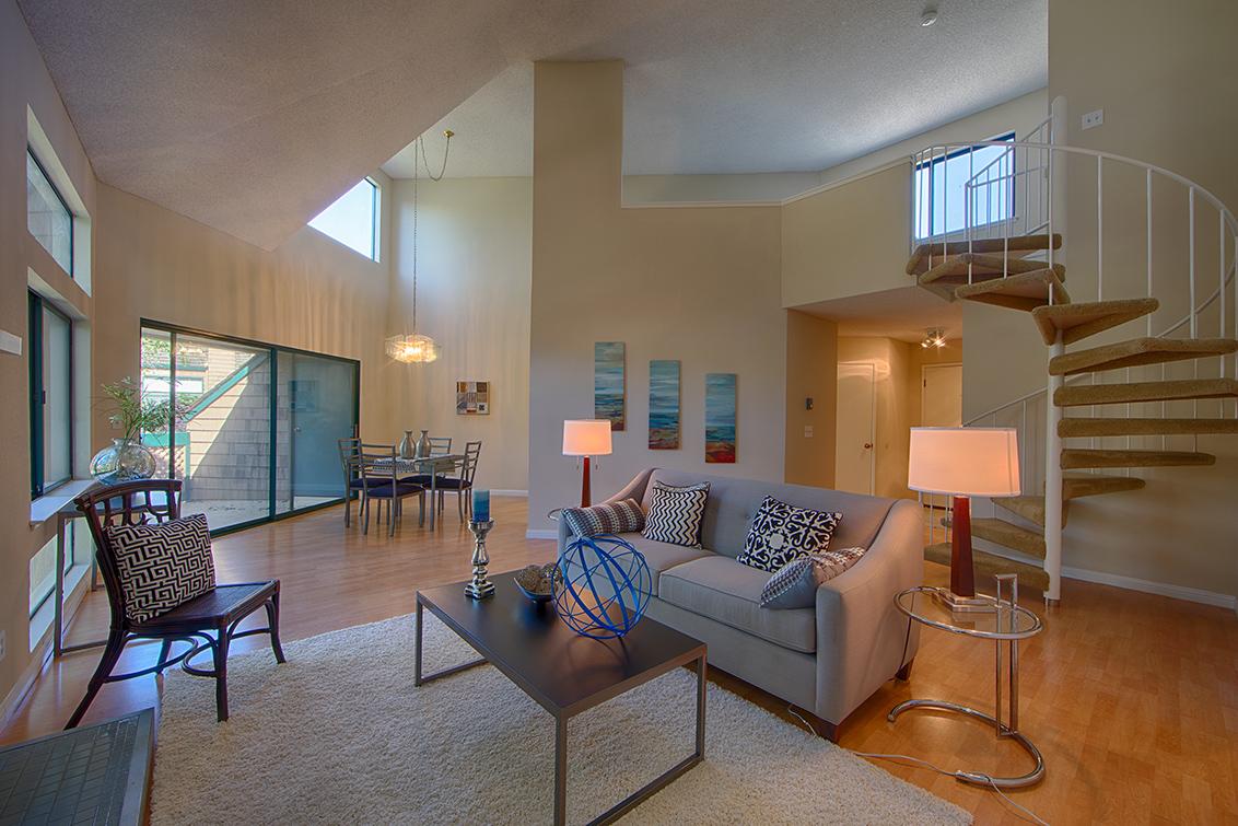 Living Room (D)