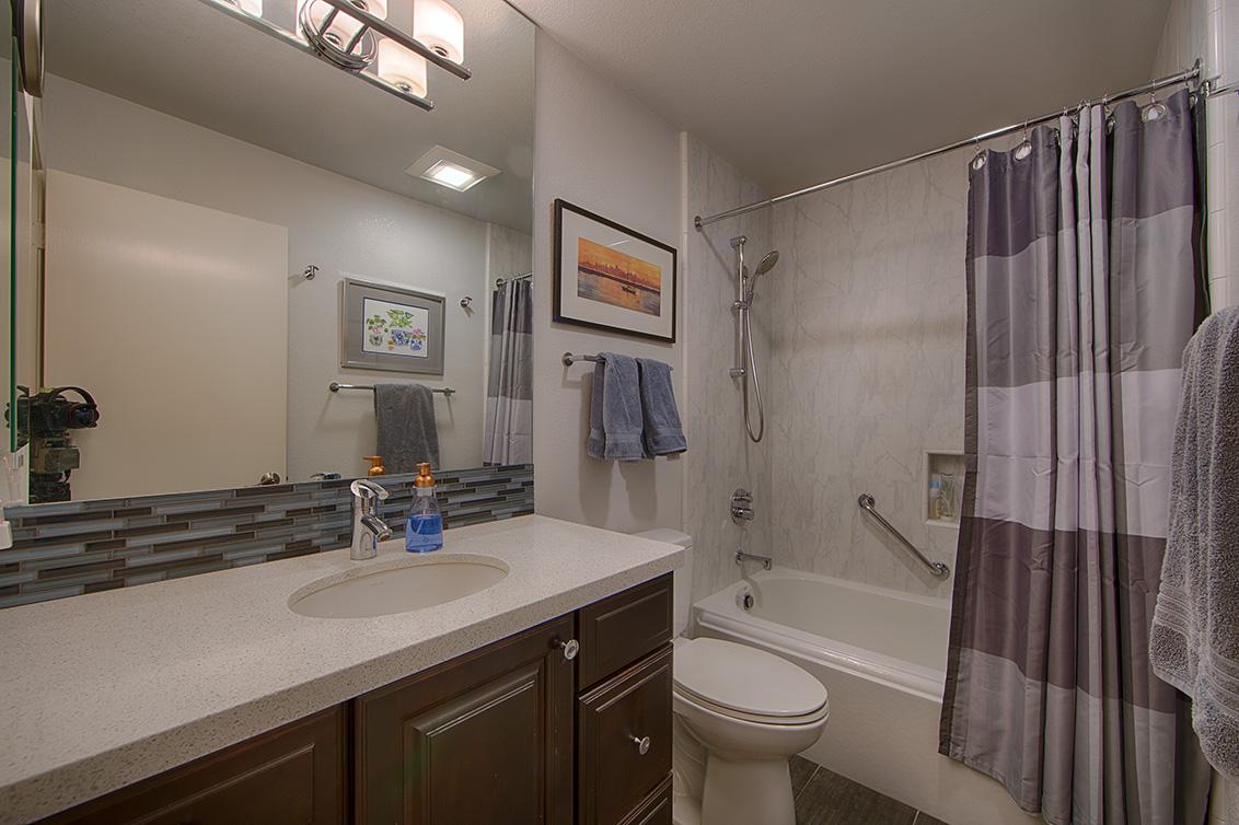 Bathroom 2 (A) - 412 Crescent Ave 40