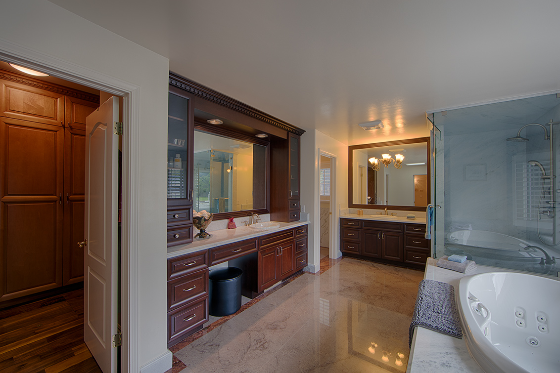 Master Bath (A) - 15096 Danielle Pl