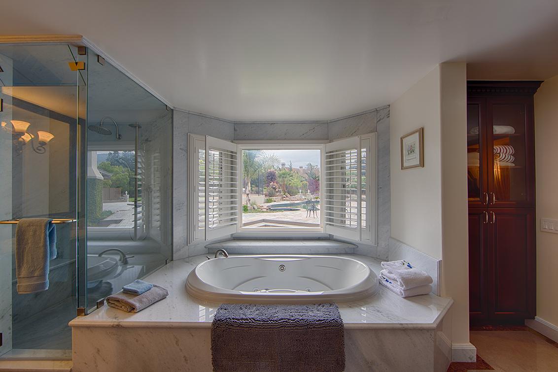 Master Bath (B) - 15096 Danielle Pl
