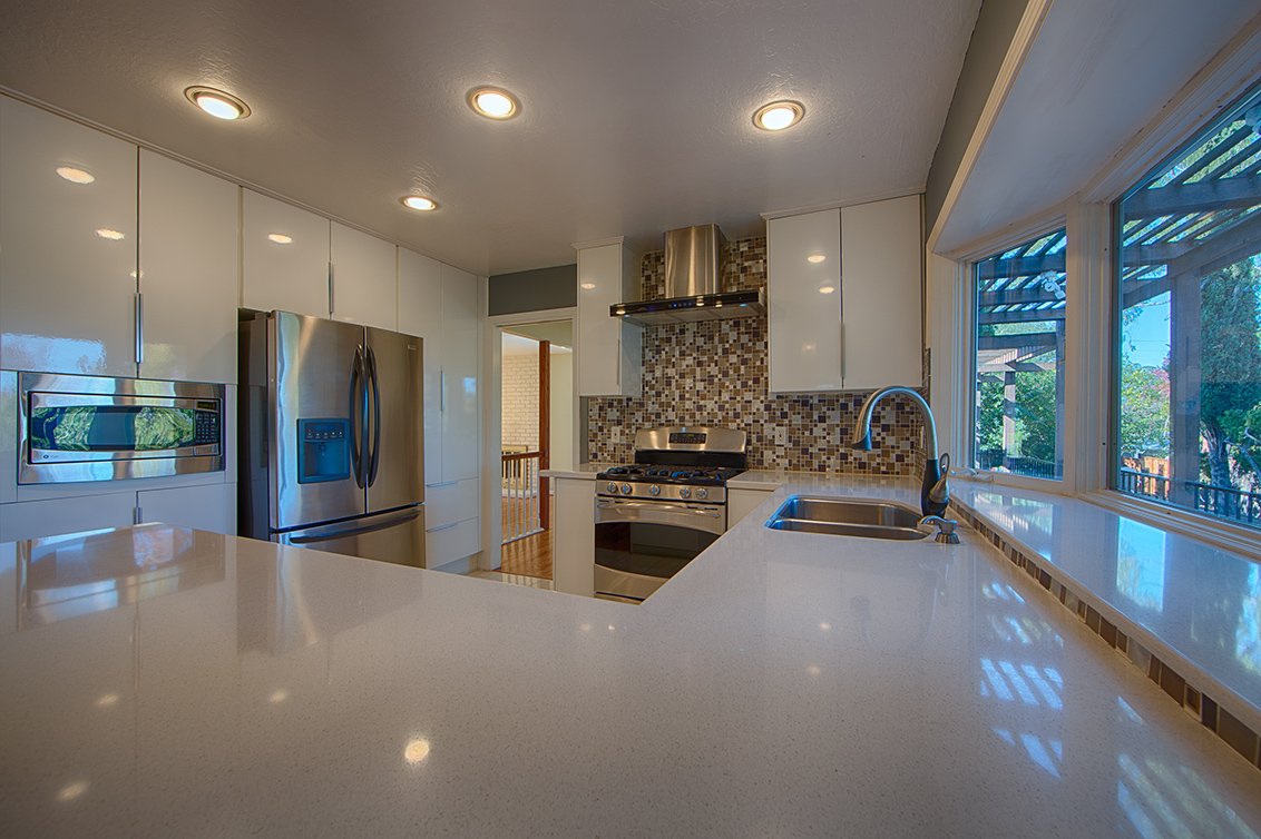 Kitchen (C) - 105 Dover Ct