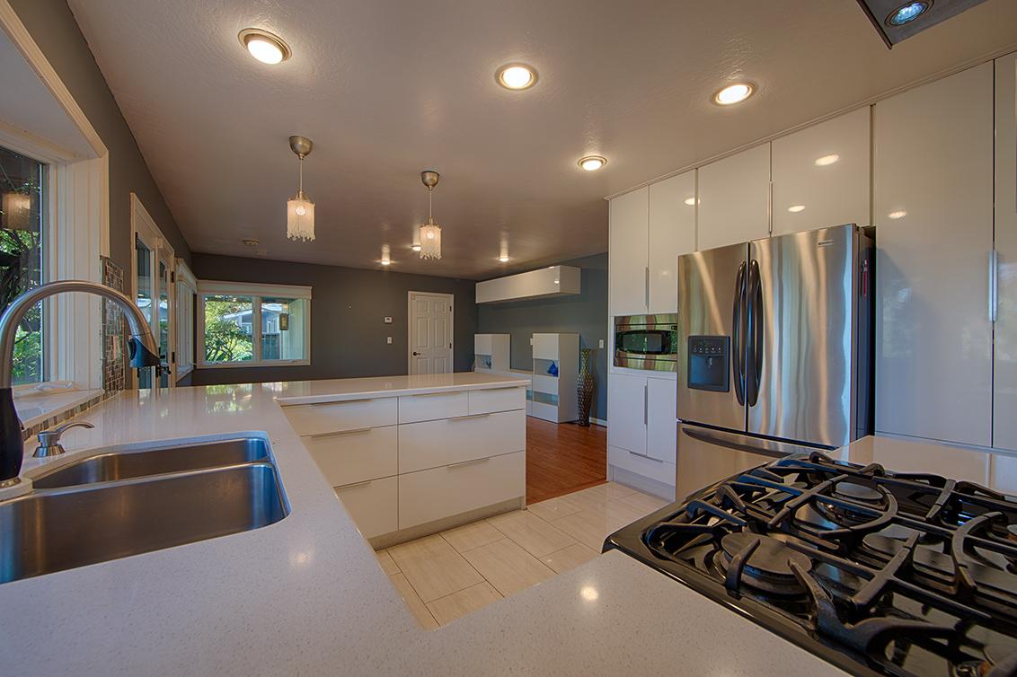 Kitchen (D) - 105 Dover Ct