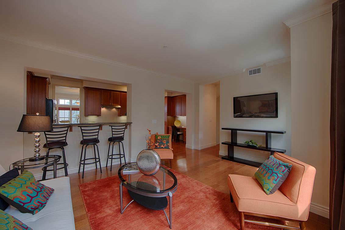 Family Room (C) - 44 Edgewood Pl