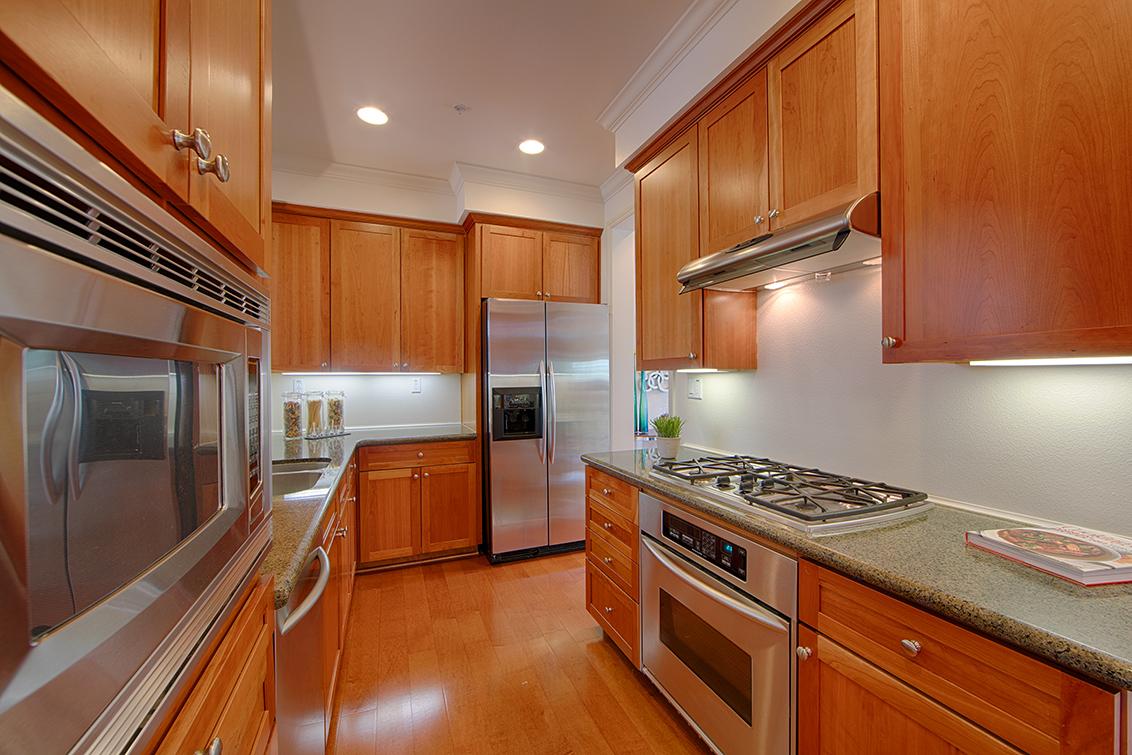 Kitchen (C) - 44 Edgewood Pl
