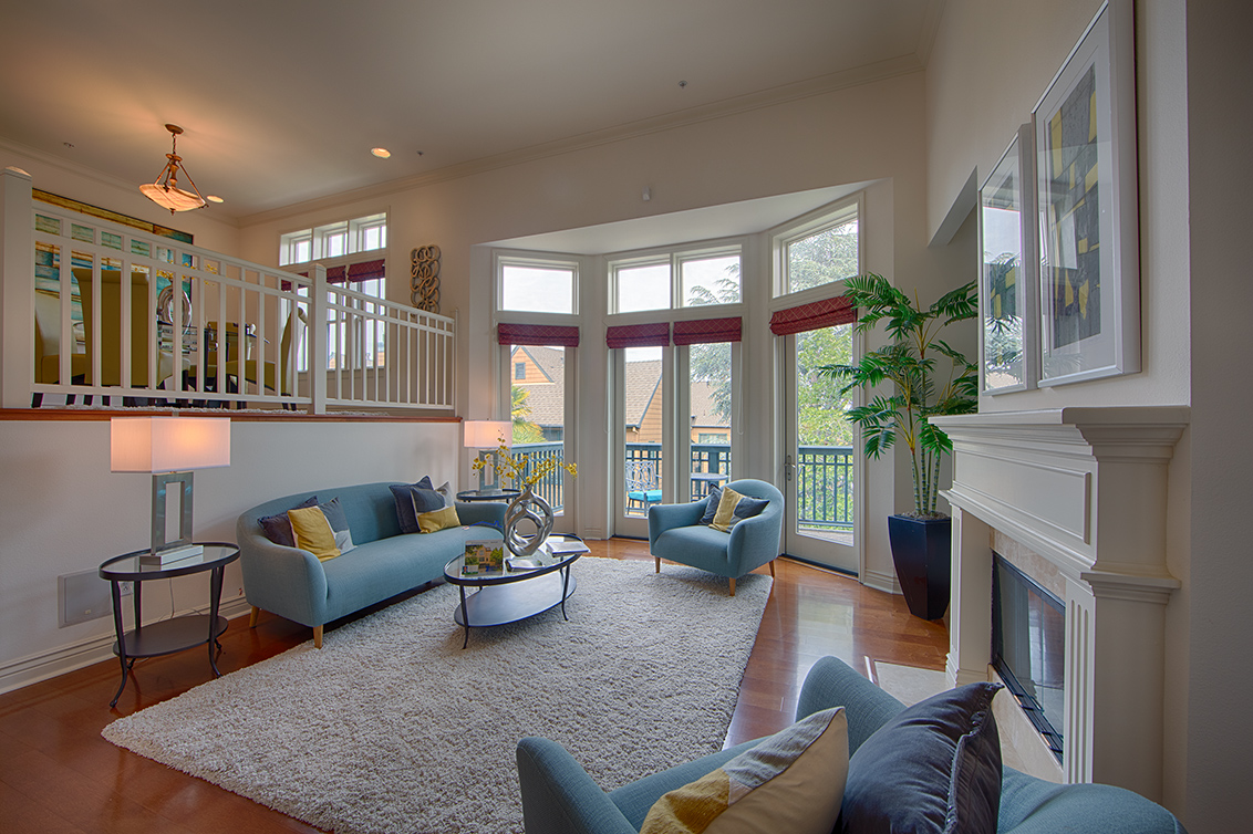 Living Room (A) - 44 Edgewood Pl