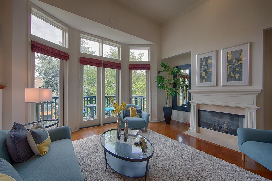 Living Room (B) - 44 Edgewood Pl