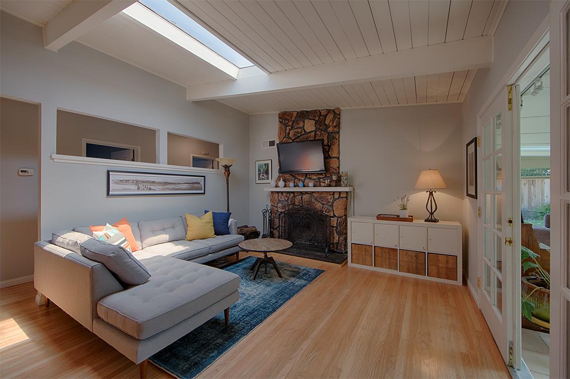 Living Room (A) - 5150 Elester Dr